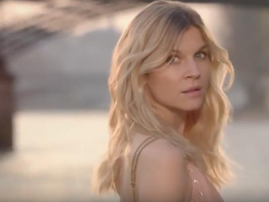 Chloe Experiential Ad - Chloe Love Story - Valentine's Day