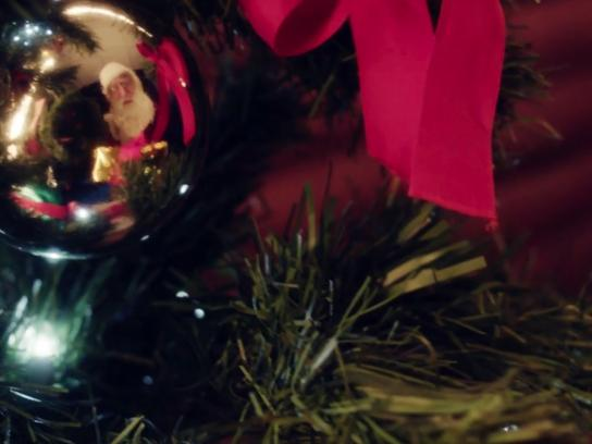 Tarjeta Cencosud Outdoor Ad - The Magic of Christmas